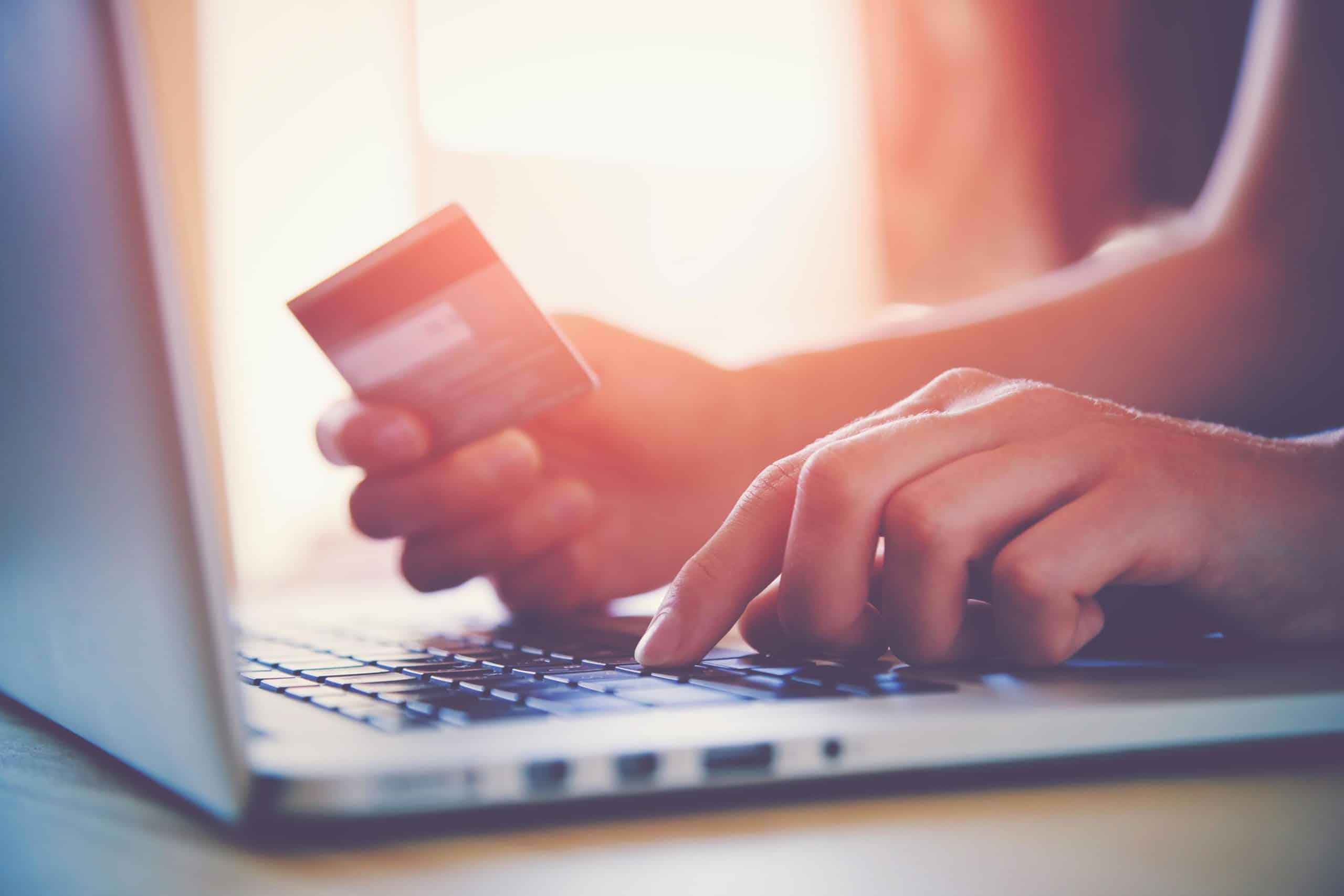 Découvrez l'offre de site e-commerce que vous propose Kreatic, agence web à 15 minutes de Lille